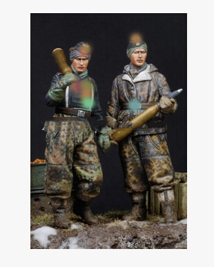 1/35 Scale Uncolor CARRY SOLDIERS WINTER Toy Resin Model Miniature Resin Figure Unassembly Unpainted