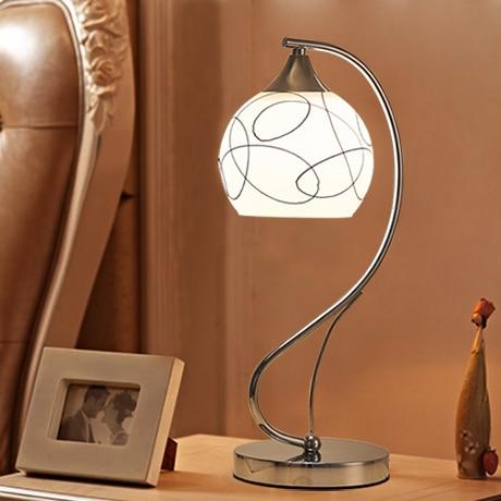 A1 спальня лампа тумбочка лампа затемнения огни креативны Простые современные декоративные лампы обучения настольные лампы FG507