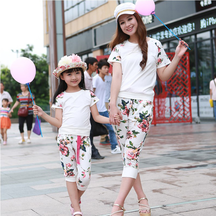 summer style 2015 mother and daughter clothes fashion matching mother daughter clothes flower family clothing set sport suit matching family clothing set 2015 autumn style winter family look matching mother daughter father son long sleeve sweater set