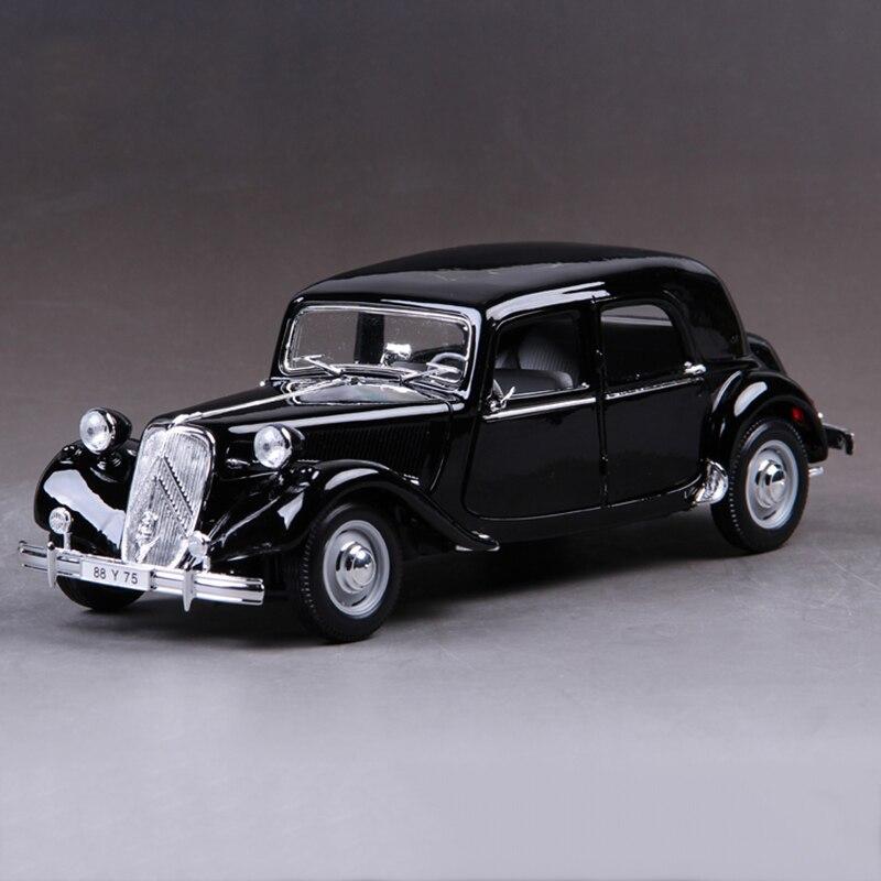 Maisto 1 18 diecast Car France de Gaulle 15CV 6 Cyl 1952 1 18 Alloy Car