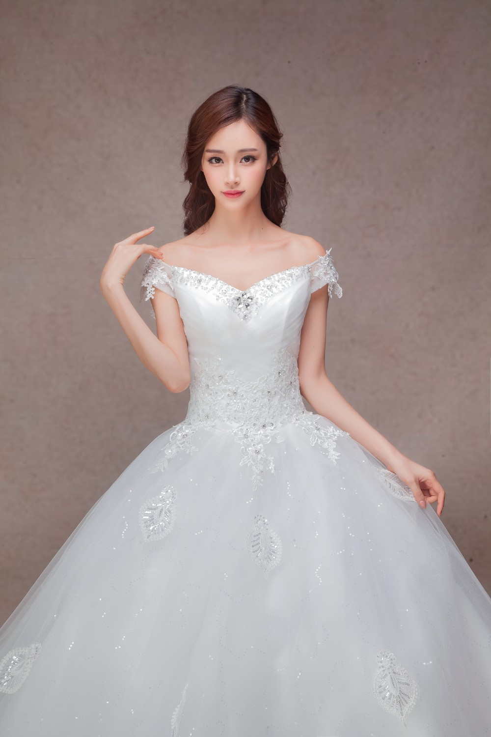 Luxury Ball Gown Wedding Dress With Cathedral Train Long Tail With