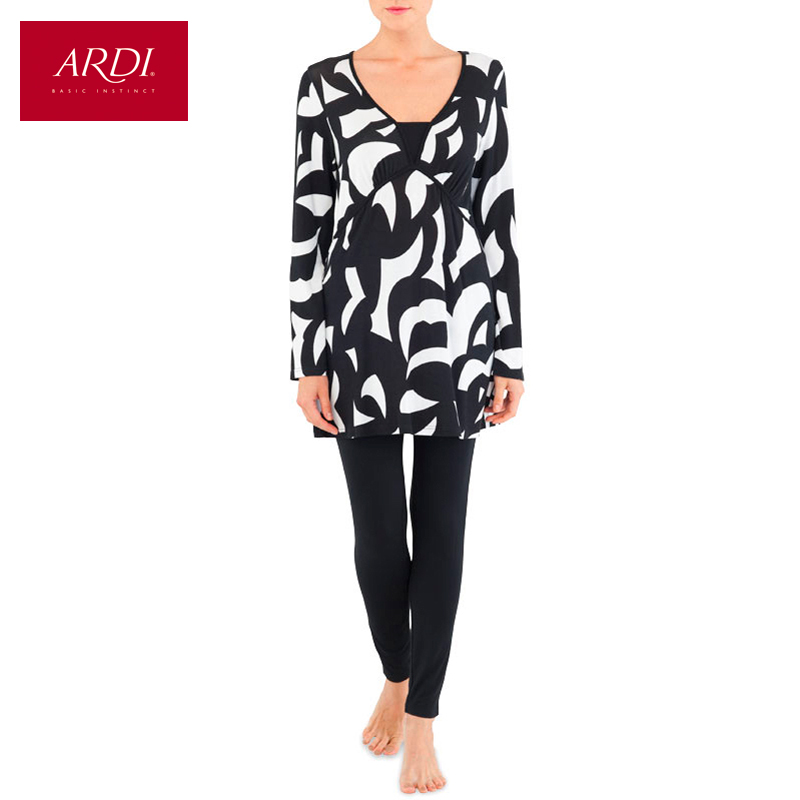 Home clothing consists of a tunic and leggings of viscose R2401 52 4