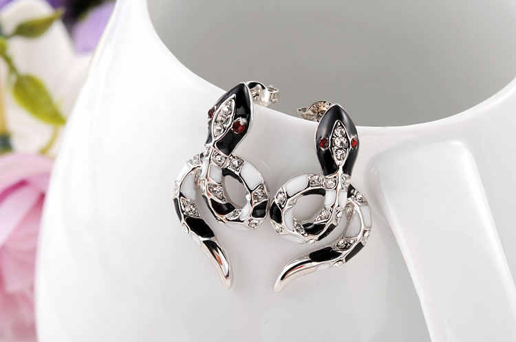 ROXI Charme Stud Ohrringe für Frauen Rose Gold Schwarz Schlange Frauen Ohrringe Weibliche Partei Mode Schmuck pendientes mujer moda