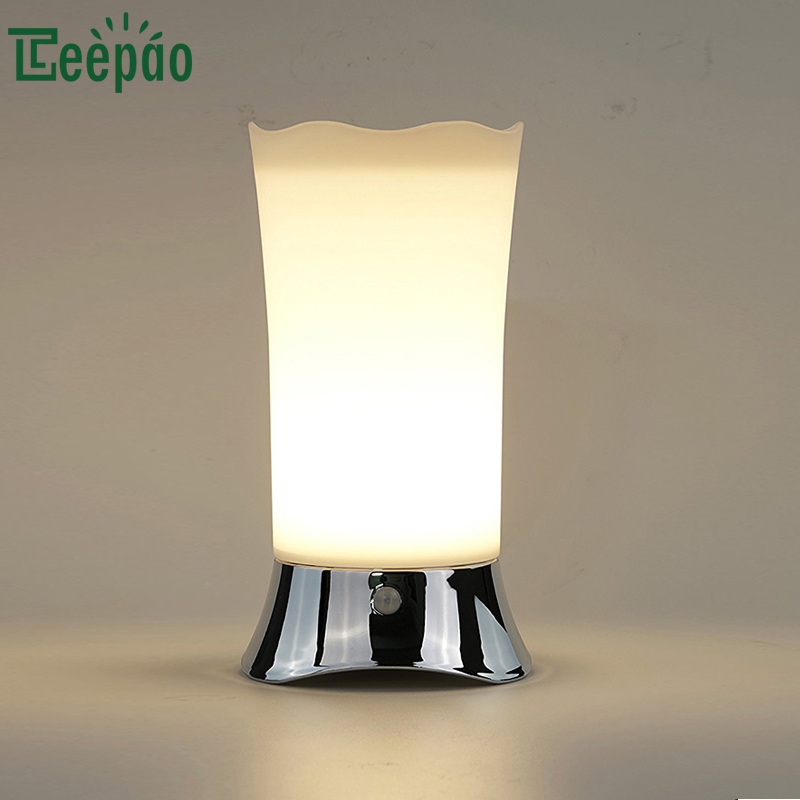 Battery Operated Table Lamp with Motion Sensor Cordless LED Light Bedroom Eye Care Warm Light Lamparas de comedor