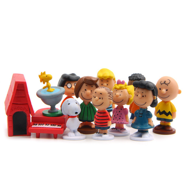 12pcs/pack Cut Anime Peanuts Figurine Charlie Brown And Friends Beagle Woodstock Miniature Model kids toy gift Animiation Action 4
