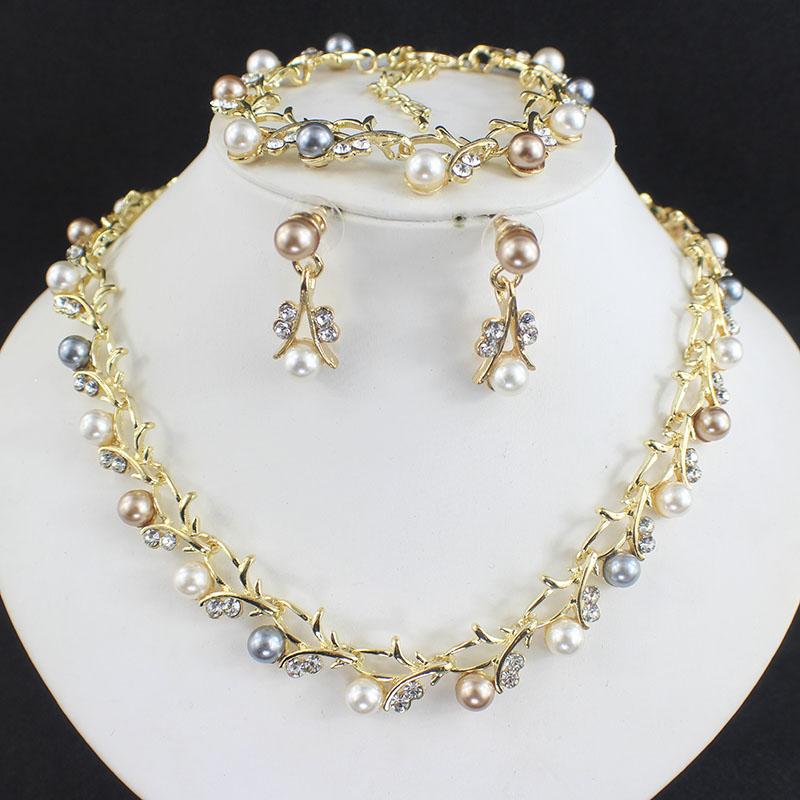 HTB17UaOSFXXXXbMXpXXq6xXFXXX6 Luxurious Pearl And Crystal Wedding Party Jewelry Set - 5 Colors
