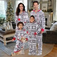 Family Matching Christmas Pajamas Set 2017 New Bebes Xmas Women Man Baby Kids Print Sleepwear Nightwear