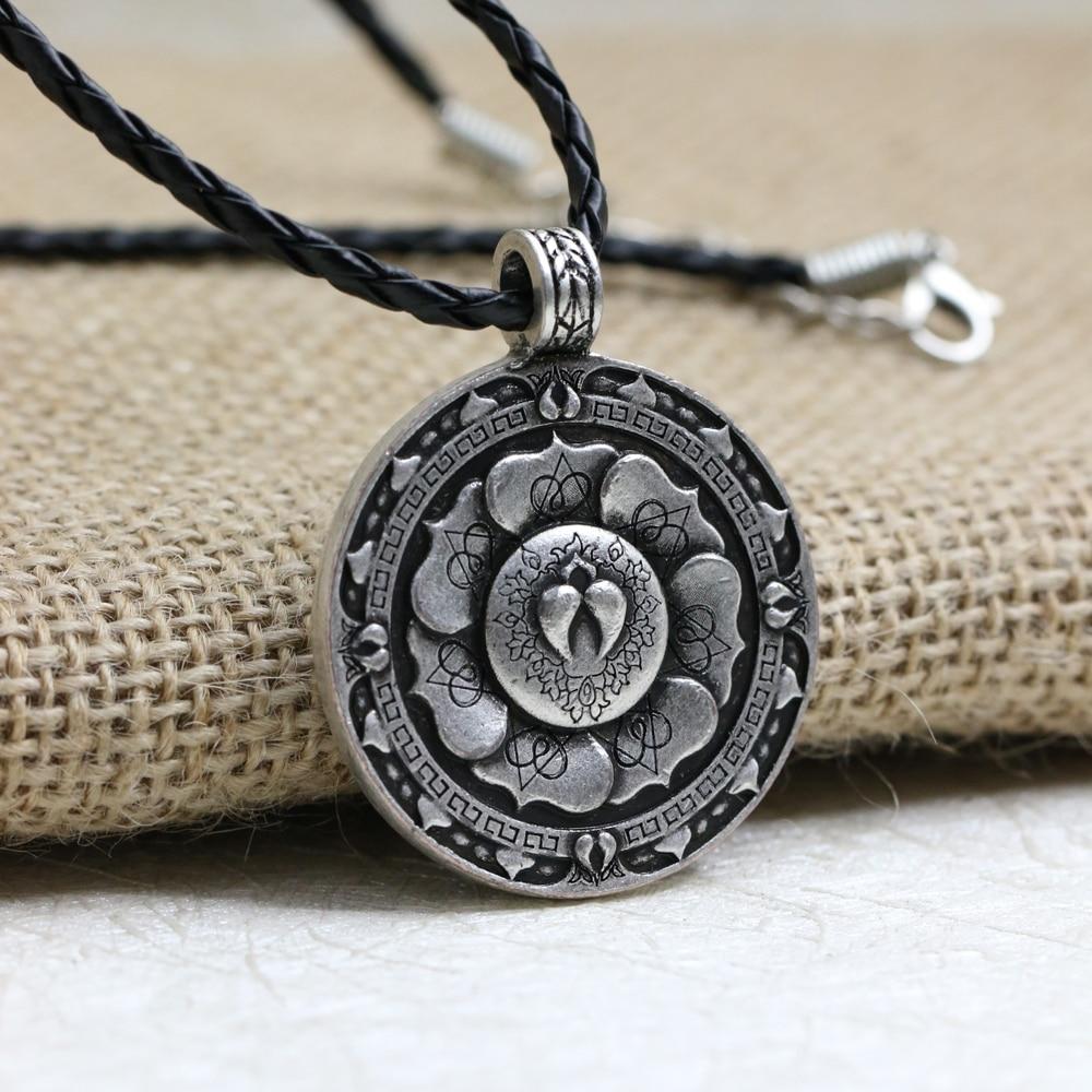 LANGHONG 10pcs Tibet Spiritual Necklace Flower Mandala