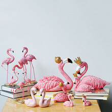 Resin Pink Flamingo King Queen Figurines Decoration Lovers Wedding Valentine's Birthday Party Accessories Home Desktop Decor