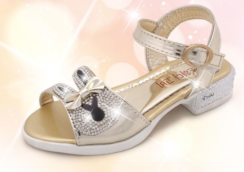 3e6d62fd1f018 HaoChengJiaDe Filles Sandales Filles D été 2018 Nouveau Doux Arc Enfants  Chaussures Pour Filles Princesse De la Mode Tête de Poisson Enfants Filles  ...