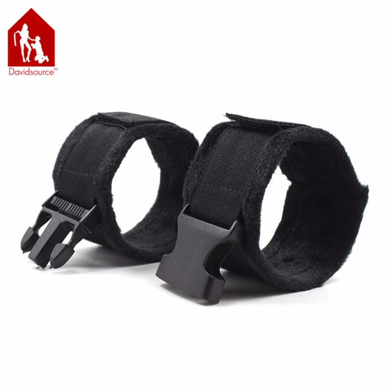Davidsource Furry Soft Handcuffs Wrist Cuff With Snap-Fit Buckle Binding Kit Bondage Restraints Fetish Wear Sex Toys 3