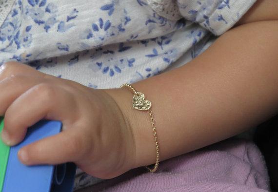 PINJEAS infantile Bracelet initiale enfant bébé grande taille Bracele pas décoloré personnalisation manuelle laser cretive anniversaire