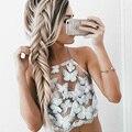 2017 Sexy Oco Out Padrão de Borboleta Bordado Rendas Costura Topos Camis Curto Halter Sem Encosto Cordão Praia Regatas