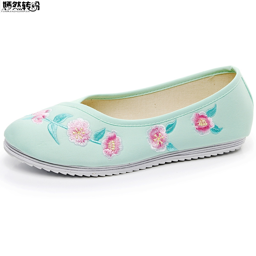 2018 Spring New Women Flats Shoes Chinese Han Dynasty Wedding Satin Embroidered Dance Single Ballet Shoes Woman Sapato Feminino new women chinese traditional embroidered shoes f002