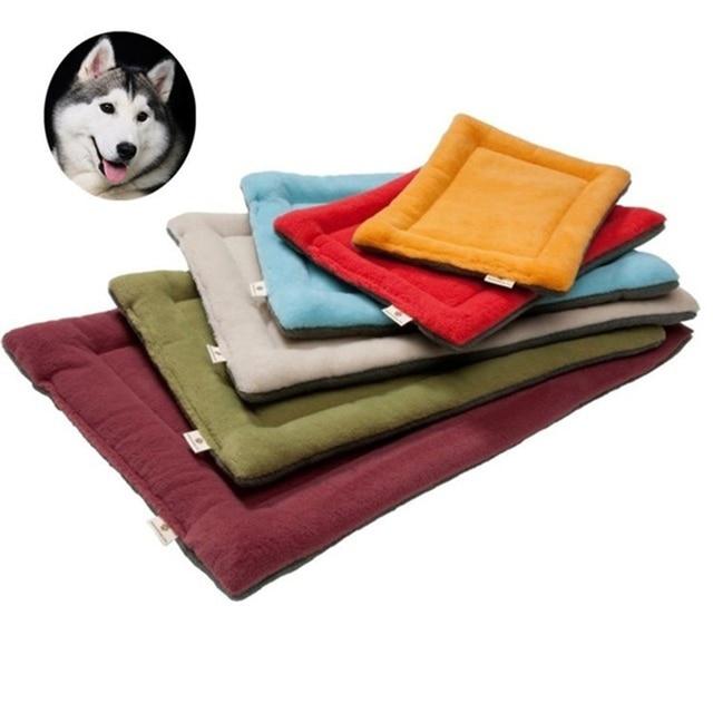 Macia Cama Do Cão Mat Pet Almofada Casa para Gatos Quente Cobertor de Lã Sólida Espreguiçadeira Cama Do Cão para Small Medium Large cães Produtos Para Animais de Estimação