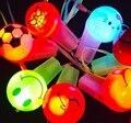 ПРИВЕЛО свисток света милый мультфильм Светящиеся детей подарок свисток соревнований по футболу болельщики свистят 10 шт./лот Light-Up Игрушки