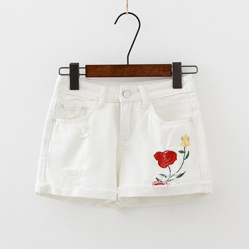 2017 Hem Rolled Up Sexy Shorts Feminino Hot Summer White Floral Embroidery Jean Shorts Women High Waist Ripped Denim Mini Short