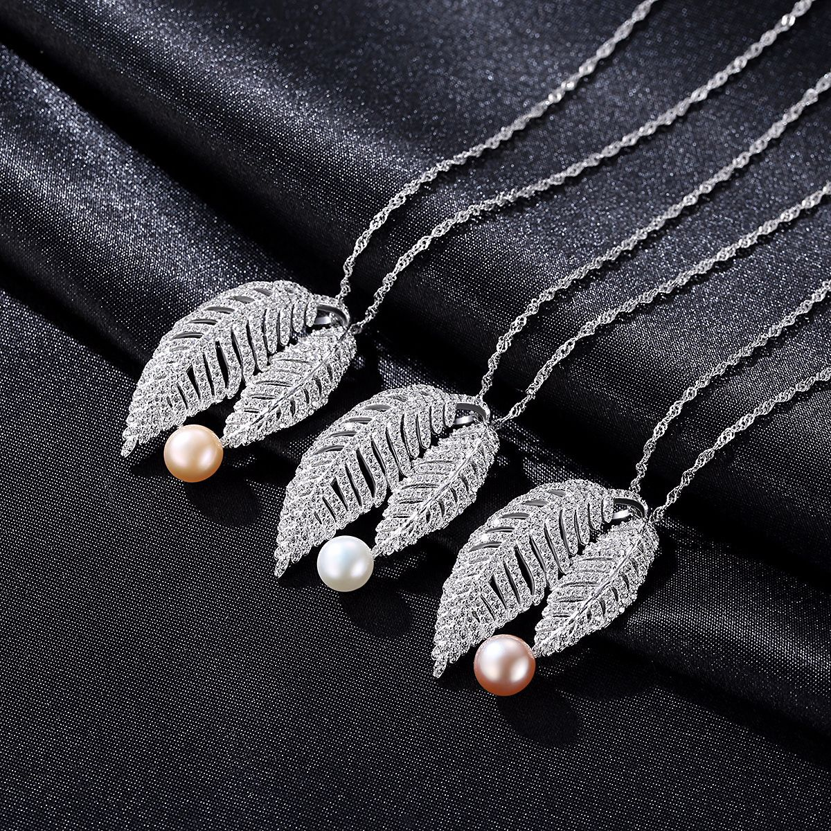 Fashion ladies S925 sterling silver necklace with 2 leaves and natural pearl pendant jewerly