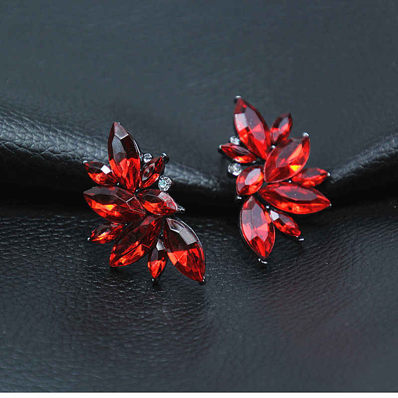Temperamen Wanita Wanita Klasik Perhiasan Mempesona Crystal Stud Earrings Tanaman Daun Anting-Anting Vintage Dropshipping Brincos