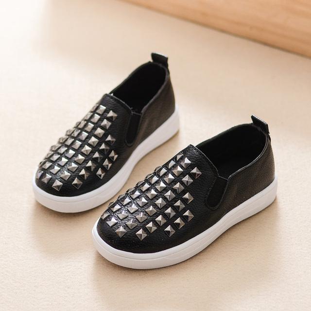 2016 niños del resorte zapatos ocasionales del deporte remache niños niñas zapatillas antideslizantes para el bebé del niño Chaussure Fille Enfant TX195