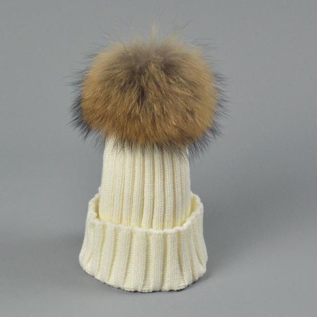 Moda Pom Pom Chapéus 18 cm 100% Real Pele De Guaxinim Chapéus De Malha Chapéu de pele Bola Pompom Gorros Tampão Do Inverno Quente Para Mulheres CP051