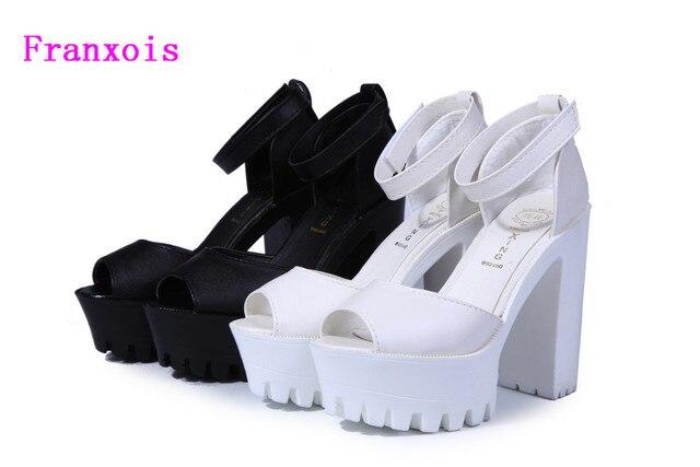 6c7bd2b13ef De las mujeres de moda 2019 nuevo verano cuñas plataforma sandalias de mujer  blanco y negro
