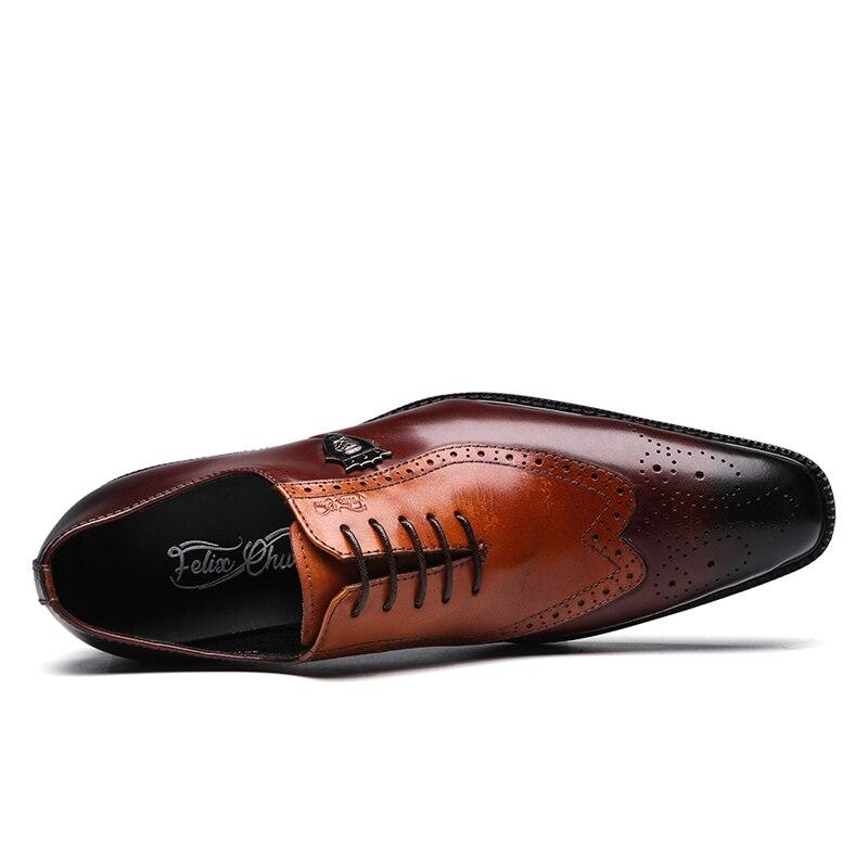 fb299846df567 Clásico de lujo hombre brogue Oxford vestido de zapatos de cuero genuino de  vaca marrón puntiagudo dedo del pie de hombre calzado formal de fiesta de  boda ...