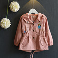 England Style Toddler Girls Trench Coat New Spring Autumn Pink/Khaki Cartoon Embroidery Cotton Hooded CHildren Outwear Girl Coat