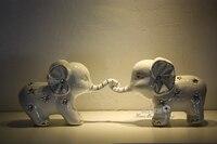 Nette Baby-elefanten Paar Spielen Spiel Skulptur Keramik Geschenk Handwerk Zubehör für Room Decor, Valentinstag und Hochzeit