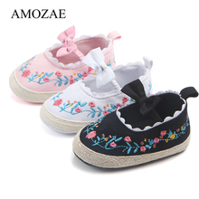 2019 Baby Shoes Floral Embroidery Shoes For Newborn Soft Soled Anti-Slip Crib Princess Shoes Infant Toddler Kids Shoes For 0-18M