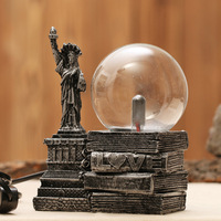 Vintage Style Statue of Liberty Model Magic Touch Ball Light Plastic Crafts Home Furnishing Decoration Kids Toys Christmas Gifts