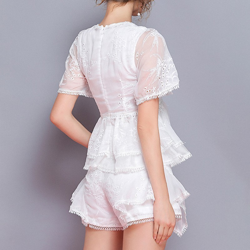 TWOTWINSTYLE Summer เย็บปักถักร้อยผู้หญิง 2 ชิ้นชุด V คอสั้นแขนเสื้อสูงเอวกางเกงขาสั้นหลวมกางเกงขาสั้นหญิงชุดแฟชั่น-ใน ชุดสตรี จาก เสื้อผ้าสตรี บน   2