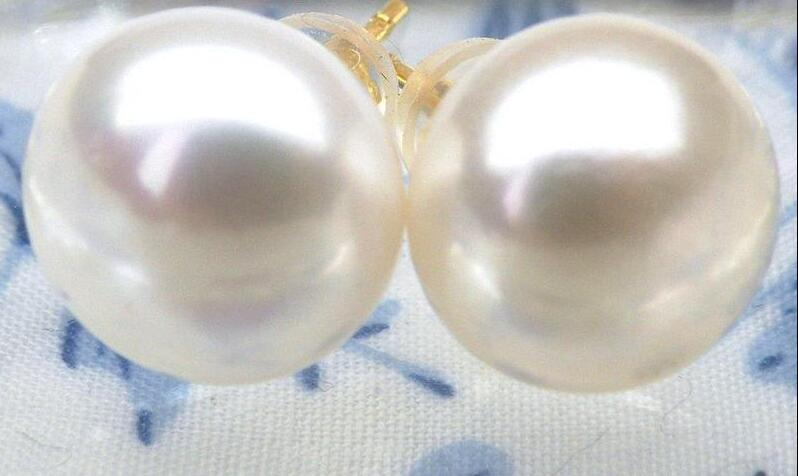 Selling Perfect round 9-10mm AAA+++ white south sea pearl stud earringSelling Perfect round 9-10mm AAA+++ white south sea pearl stud earring