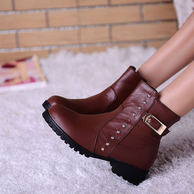 Lady Half Short Boots Winter Warm Flats Shoes Woman Rivets Martin Boots Footwear Round Toe Zipper Boot Shoes Size 34-43