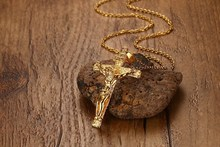 Classic Jesus Crosses Necklace Men Charm Necklaces Pendants For Women Religion Jewelry 2017 Free Shipping 2018 new arrival discount hot sales jade pendants for men women jewelry necklaces free shipping