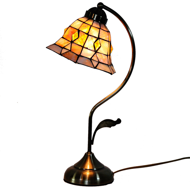 https://ae01.alicdn.com/kf/HTB17X1zSVXXXXcaXFXXq6xXFXXXV/Elegant-Tiffany-Hexagon-Stained-Glass-Desk-Lamps-Vintage-European-Style-Small-Table-Light-Study-Bedroom-Home.jpg_640x640.jpg