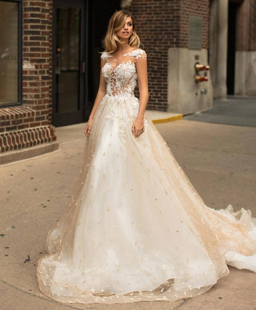 Fabulous New Long Wedding Dress 2019 Boat Neck Short Sleeves Chapel Train Appliques Tulle A-Line Bridal Gowns Vestido de noiva