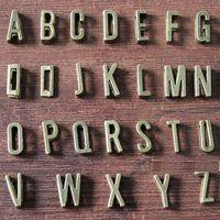 800 Brons Tone Alfabet Letter