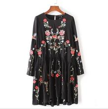 2017 new spring Autumn women Floral Embroidered Dress Round Neck Long Sleeve Vintage Black Dress Vestidos S316