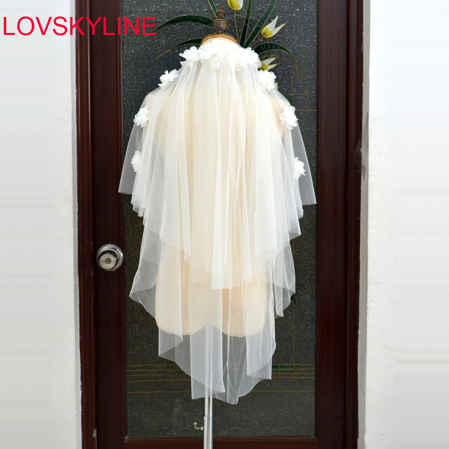 White Ivory 2 Layers Bridal Veil Beautiful Flowers Appliqued Design Cathedral Short Wedding Veils Cut Edge With Comb Bride Veils