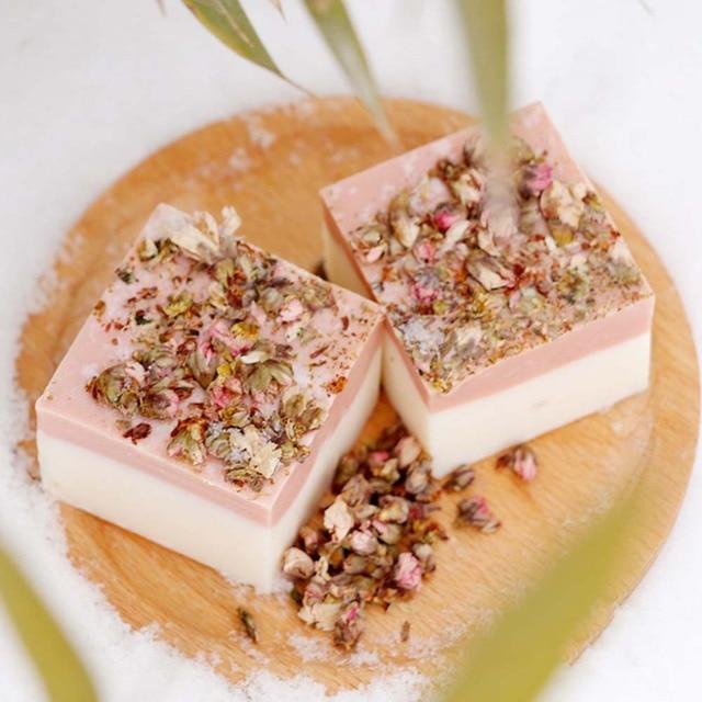 Cold Process Handmade Soap Petal Milk Bath Face Soap Skin Moisturizing Deep Cleaning Soap