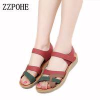 ZZPOHE Anne sandalet yumuşak deri büyük boy düz sandalet yaz rahat yaşlılarda rahat kaymaz bayan ayakkabıları 41