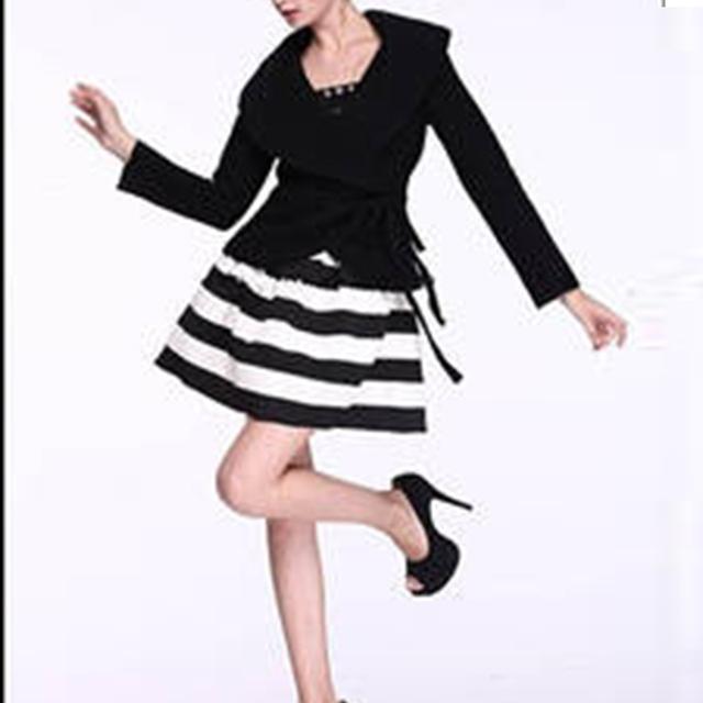 Moda 2016 Del Estilo Del Verano Faldas Elásticos Mujeres Llanura de Rayas Blanco y Negro de Cintura Alta Falda * 45*41