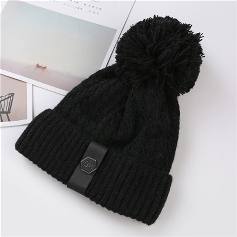 Real Fur Winter Hat Raccoon Pom Pom Hat For Women Brand Thick Women Hat Girls Caps Knitted Beanies Cap Wholesale  2017 new style 2017 1 6 years real fur winter hat raccoon pom pom hat for children baby thick boys hat girls pink caps knitted beanies cap