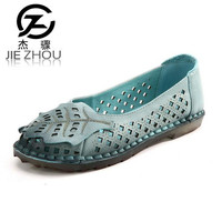 2017 Spring And Summer Breathable Flat Bottom Soft Leather Female Hole Hole Shoes Pregnant Woman Mama