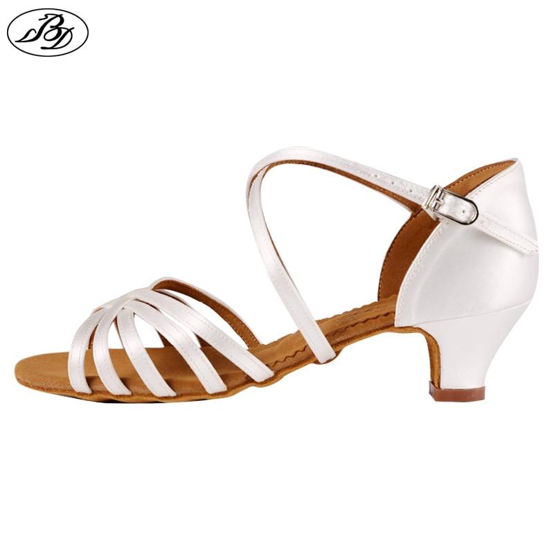 लड़की लैटिन नृत्य जूते बीडी 603 साटन जूते छोटी लड़कियों लैटिन नृत्य जूता बाल हील सैंडल बॉलरूम नृत्य जूता कम एड़ी इनडोर
