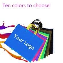 Wholesales 500 יח\חבילה לוגו מותאם אישית באיכות גבוהה פלסטיק שקיות קניות עם ידית, 10 צבעים כדי לבחור