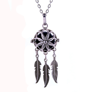 Aromatherapy Necklace feather tassel Lockets Pendant Perfume Essential Oil Aroma Diffuser Locket Necklace With Pads(China)