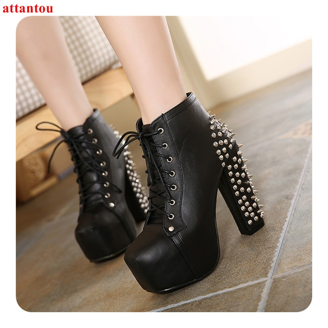 Botas de tobillo negras con cordones para mujer modelo de