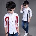 Meninos Da Camisa 2017 NOVA Primavera Venda Quente Moda Suave Crianças Impressão Roupas estilo Navy de manga Comprida Formais